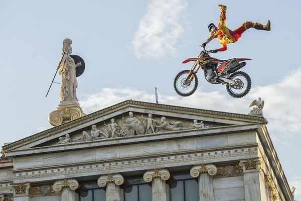 Red Bull X-Fighters: Οι Star του Freestyle Motocross στην Αθήνα (photos)